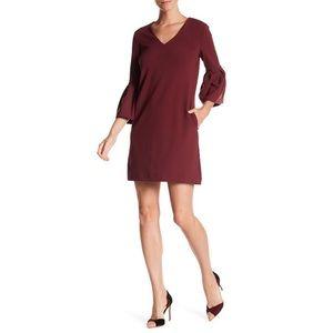 NWT Donna Morgan Bell Sleeve Shift Dress